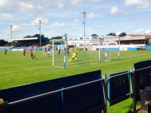 C-Mac scorer 1-0 ifra straffemerket mot Nuneaton.